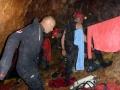 Palo se obléká do pyžamaPotápění v jeskyních, Slovenský kras